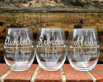 Bridesmaids Wine Glass; Bridesmaids Gift; Bachelorette Party Gifts; Bridal Party Wine Glass