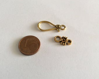 two-piece gold clasp