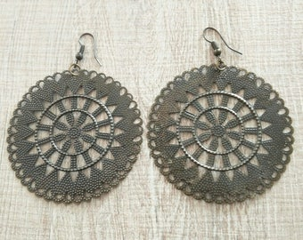 Nice pair of earrings ethnic
