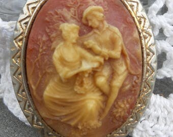 Vintage Courting Couple Pendant
