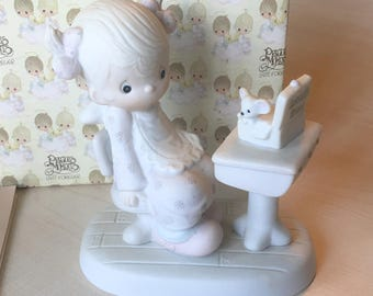 Vintage Precious Moments Love Is Sharing Figurine E-7162