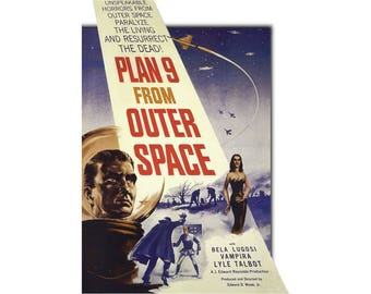 T-SHIRT: Plan 9 From Outer Space / Film Poster - Classic T-Shirt & Ladies Fitted Tee - (LazyCarrot)