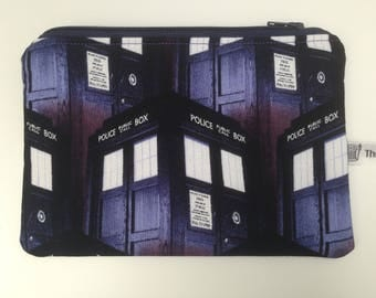 Small makeup bag; zippered pouch; Doctor Who, the tardis, daleks.