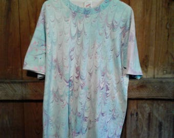 Marbleized Tee Shirt Pastel size M