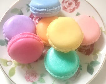 Mini macaroon scented guest soap