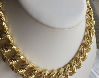 1AR Textured Twisted Chain Necklace