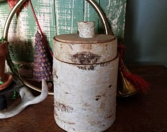 Birch Bark Container / Nature Art / Handmade / Handcrafted / Nature / Wood Crafts / Vintage / Boho/ Nature Home / Farmhouse / Rustic