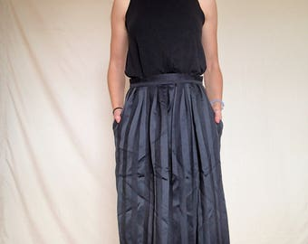 Striped black vintage long midi skirt