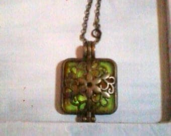 square with fluorescent filigree flower Locket pendant