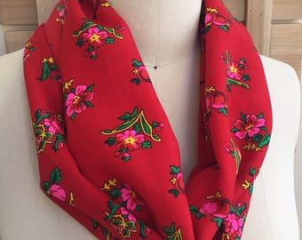 Red Polish Berry Floral Infinity Scarf