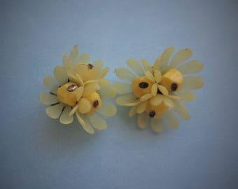 Vintage Luscious Lemon Lucite, Early Plastic, Soft Petals Flower Earrings Clip Backs