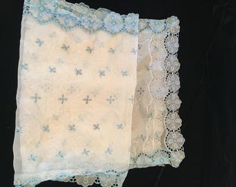 Vintage Sheer Lace Table Runner