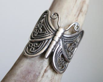 Vintage Sterling Silver Butterfly Ring ~ Size 8.75