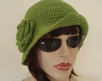 Green Cloche Women Winter  Hat, Wool hat, With removable flower