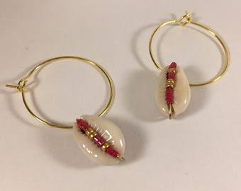 Hoop earrings Golden miuky and cowries