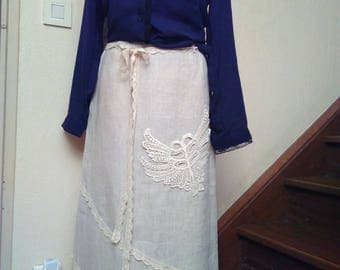 Long skirt in linen and lace