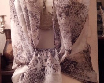 Large white and grey cotton scarf