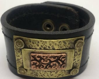 Black Leather Cuff Bracelet for women with Copper design. Leather metal cuff Leather Bracelet Boho Jewelry Copper cuff Gift for her