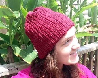 Ribbed Beanie in Red