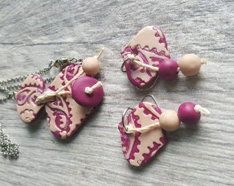 Magenta and white necklace and earrings set