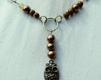 Brown makes you feel cozy, safe and warm and this neckless captures that.