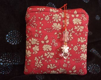 Handcrafted quilted Coin purse in classic Liberty cotton fabric print. Fully lined