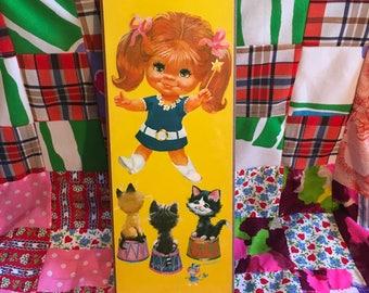 Vintage W M Otto Mod Girl with Circus Kittens Wood Panel Wall Art Keane Lee Big Eye Retro Kitsch