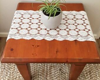 Table runner, crochet table runner, vintage table runner, boho decor