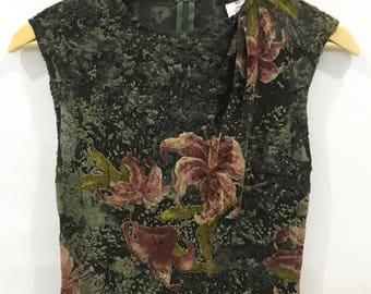 Vintage 80s Kenzo Paris tops blouse sleeveless..Floral design..Nice and comfortable
