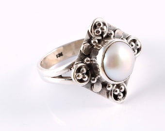 Pearl 92.5 sterling silver ring size 6.5 us