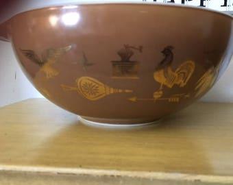 Pyrex American Heritage Cinderella Nesting Bowl