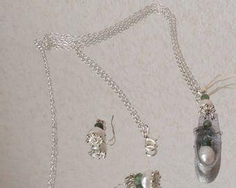 Pendant with Pearls and aventurine