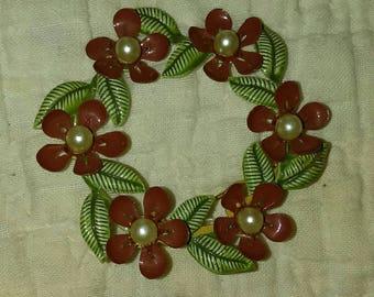 Christmas wreath brooch