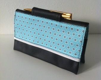 """porte chéquier """"japonais bleu et blanc"""" en coton enduit saki bleu et similicuir noir"""