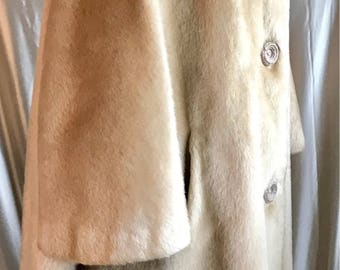 Vintage 1960's Swing Coat, excellent vintage condition. label Far Otta by Dell Mann