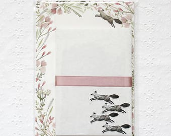 Letter writing set with black fox and flowers