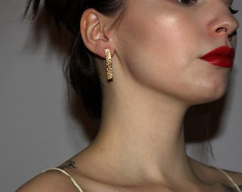 Vintage 90's Gold Colored Short Chain Earrings FREE SHIPPING
