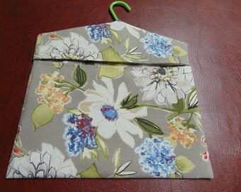 Clothespin Bag -- Gray / White / Green