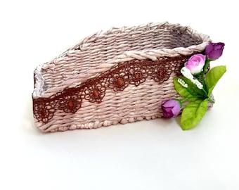 Prepravnich from paper vines, of paper tubes, paper rolls,  paper weaving, kitchen, interior, handmade, из бумажной лозы