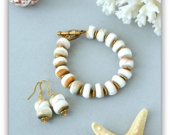 Kit with beads from seashells-bracelet and earrings