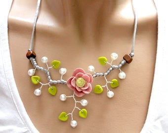 Flower necklace spring summer