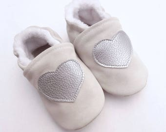 Slippers in grey-white genuine leather with silver heart