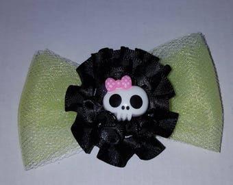 Skull and bows hair clips