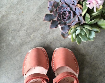 Coral kids sandals