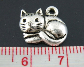 Set of 3 small charms kitten snuggled