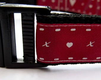 Hearts and kisses | Cute dog collar