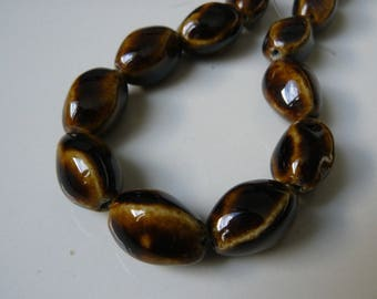 Set of 4 novelty Brown 20mm porcelain beads