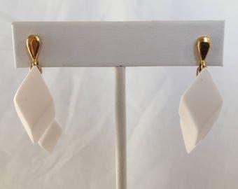 Mod White Plastic Lucite Double Diamond Shape Geometric Dangle Gold Tone Vintage Pierced Earrings