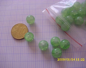 set of 20 glass beads Crackle green light 10mm (1.4 mm hole)