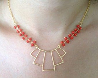 ARIANA - Bohemian influence Necklace: gold and Red coral mix
